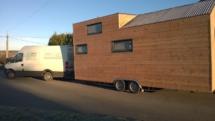 tiny house double essieu, mini maison en bois sur roues