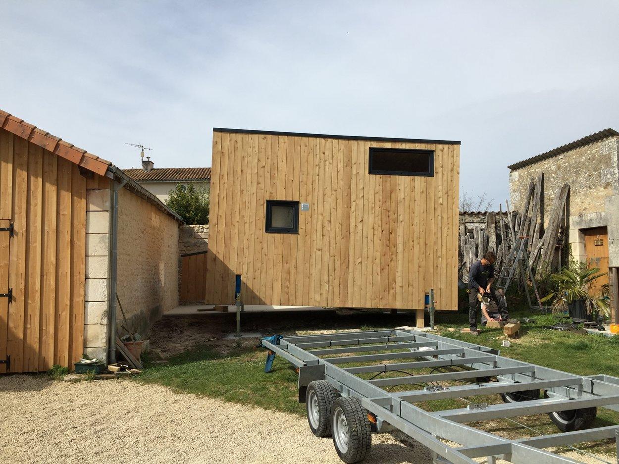 Pose de la tiny house sur les plots