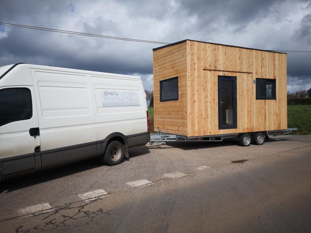 Avant la pose de la tiny house, le transport sur la moitié de la France