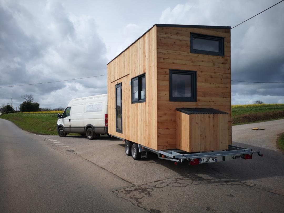 Transport de la tiny house vers Poitiers, sur la route