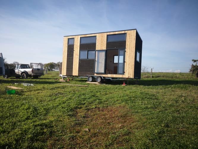 tiny-house-autonome-france-installation-sur-terrain