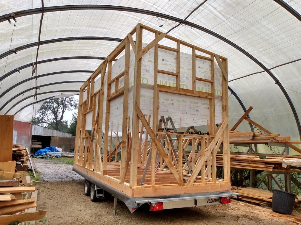 mini-maison en bois : accompagnement à l'auto-construction